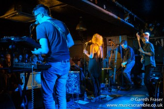junebug-king-tuts-glasgow-new-band-revolution-live-january-2014-12