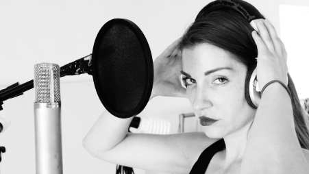 Singer in Studio