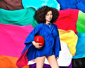 <写真>2014NHKサッカーテーマソングを手掛けた椎名林檎