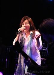 [写真]藤吉久美子が初ライブ【2】