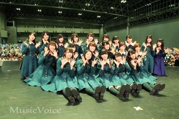欅坂46初の全国握手会に1万人