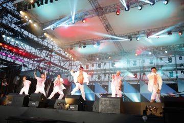 EXILE THE SECONDのステージにAKIRAがサプライズで登場(撮影・山内洋枝)