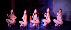 """板野友美、新曲MVでちょっぴり""""セクシーおねだりダンス""""披露"""