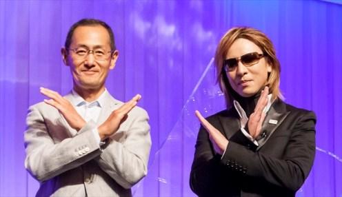 対談をおこなったYOSHIKIと山中教授