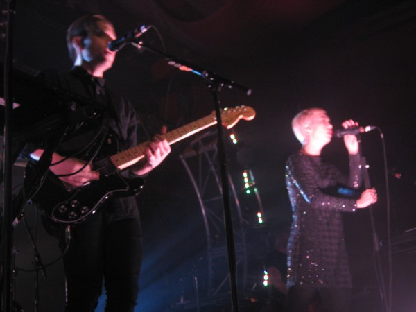 The Naked And Famous (Credit Sarah Niesius/MusikBlog)
