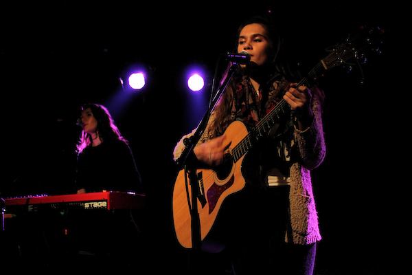 Lily & Madeleine (Credit Annett Bonkowski MusikBlog)