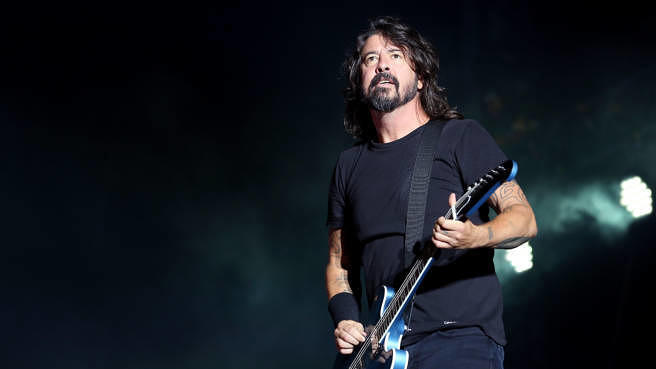 Dave Grohl mit den Foo Fighters am 25. August 2019 bei einem Auftritt in Dave Grohl mit den Foo Fighters am 25. August 2019 bei einem Auftritt in Reading, EnglandDave Grohl mit den Foo Fighters am 25. August 2019 bei einem Auftritt in Reading, EnglandReading, England