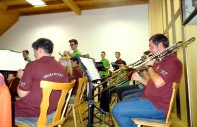 Highlight des Konzertabends war der gemeinsame Auftritt der Jugendkapellen von Mieming und Tobadill.