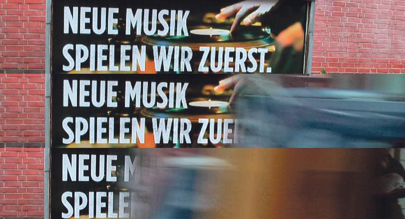 Wer spielt Neue Musik zuerst? Foto und Montage: Martin Hufner