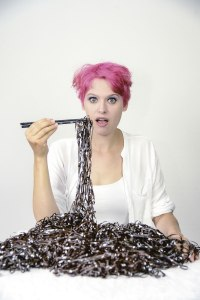 Du bist, was du isst: Julia Mihály, elektronische Komponistin. Foto: Ela Mergels