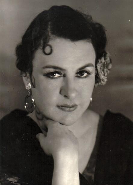 Solange Michel dans le rôle-titre de Carmen, ca 1950.