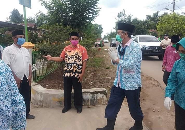 Bupati Kunjungi Rumah Duka, Almarhum Kades Bangun Rejo Joko Pitono