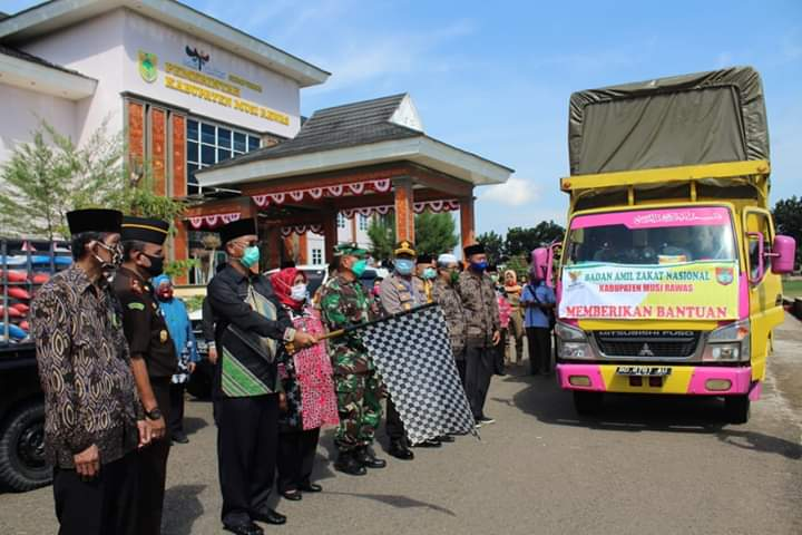 Bupati Salurkan 9,751 Ton Beras Baznas untuk Kecamatan Muara Beliti