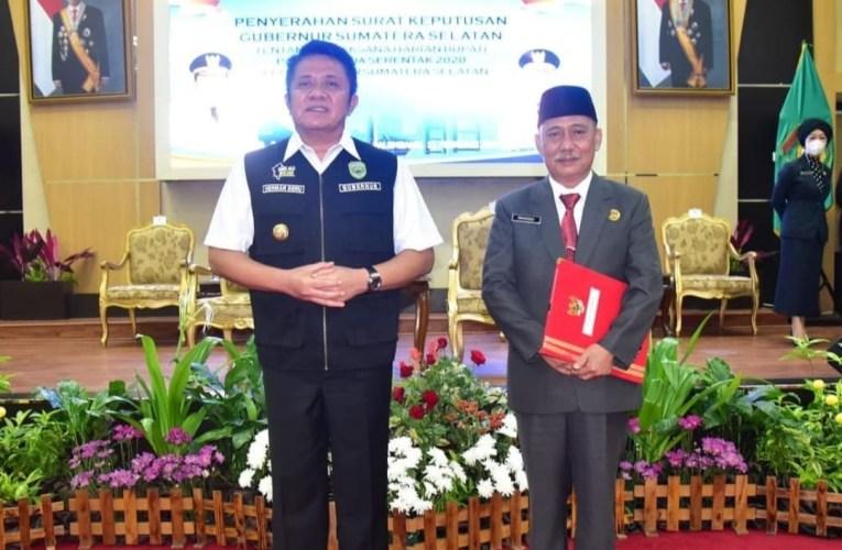 Gubernur Sumsel Serahkan SK Plh Bupati Mura Kepada Ec Priskodesi
