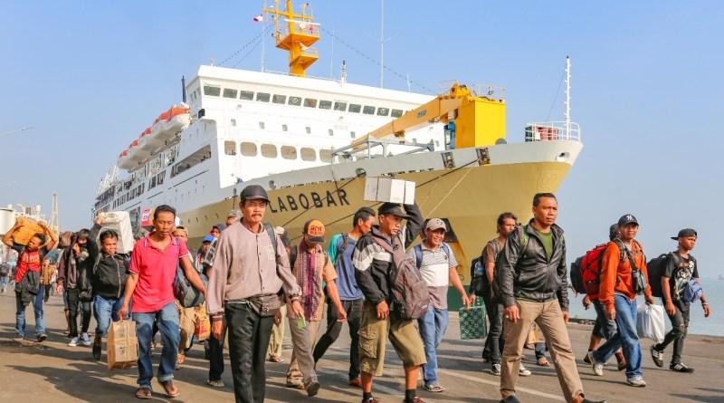 Rezim Neolib Mengundi Nasib Rakyat (Kritik Islam terhadap Transportasi Lebaran Hari Ini)