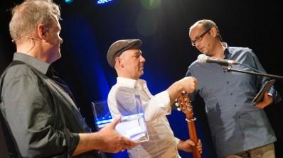 Kann Gast Stefan Noelle lesen, welchen Publikumsgewinner er gezogen hat?