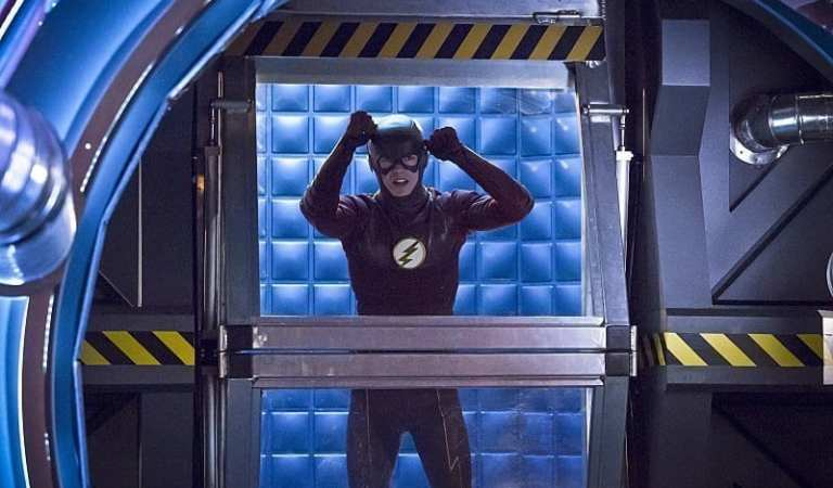 Prison Cells in The Flash: Who the hell is feeding these villains?