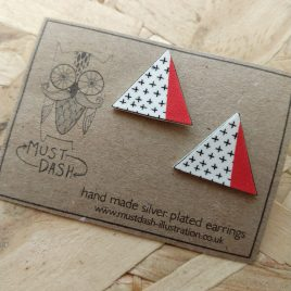 Triangular Geometric Earrings – Red5