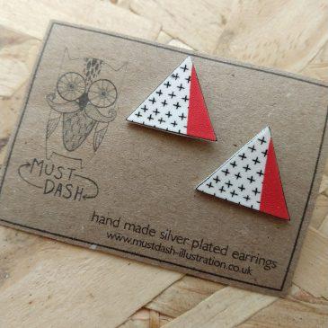 Triangular Geometric Earrings – Red5