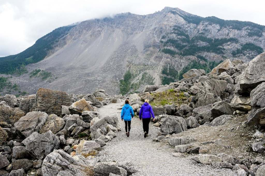 things to do frank slide