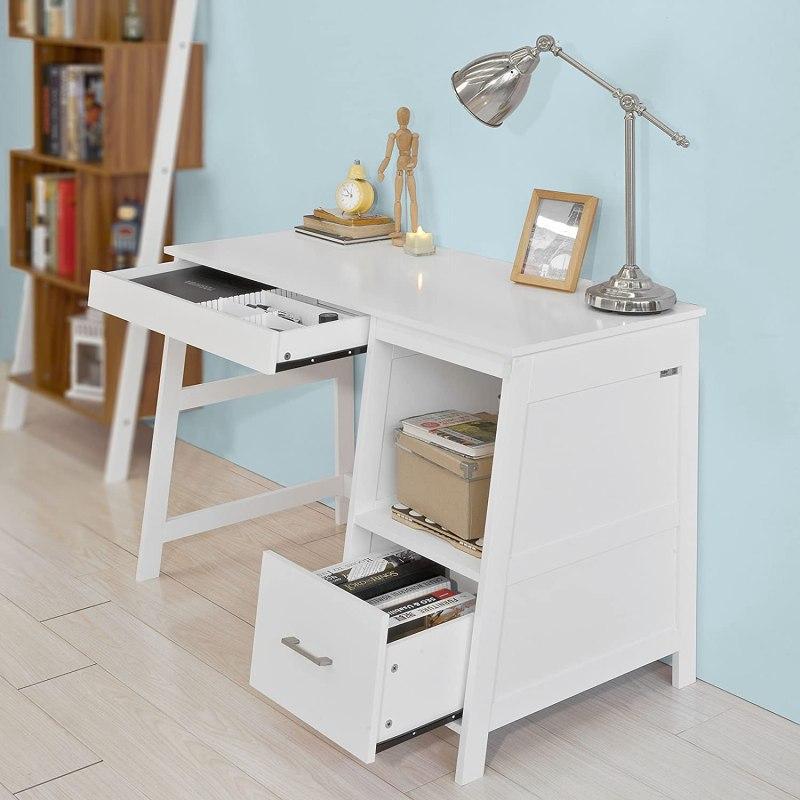 escritorio blanco con almacenaje