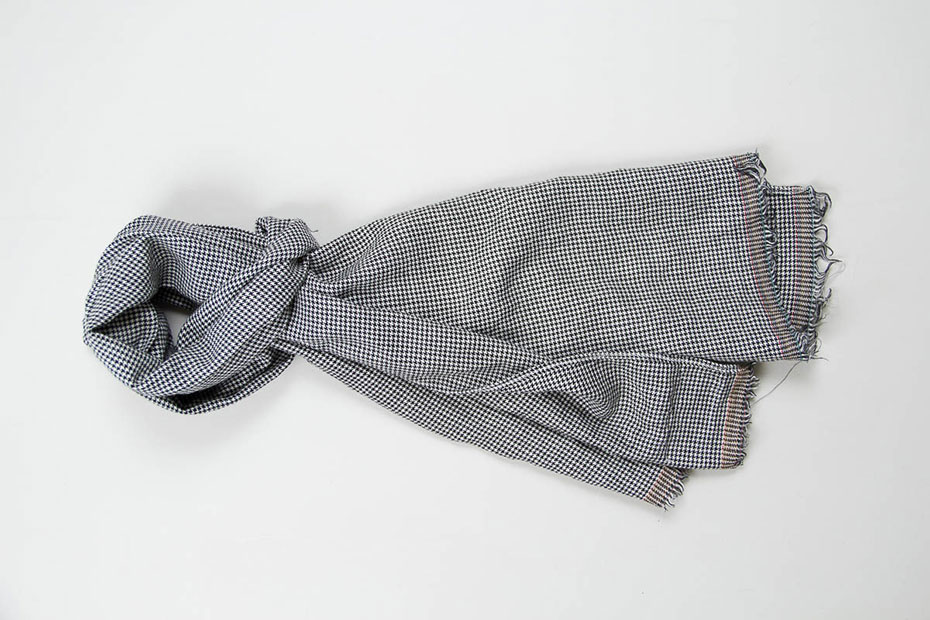 MERCHANTS AND MISSIONARIES BLACK HT IRISH LINEN SCARF