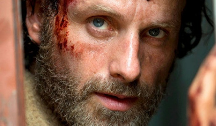 10 CRAZY MOMENTS FROM THE WALKING DEAD PREMIERE