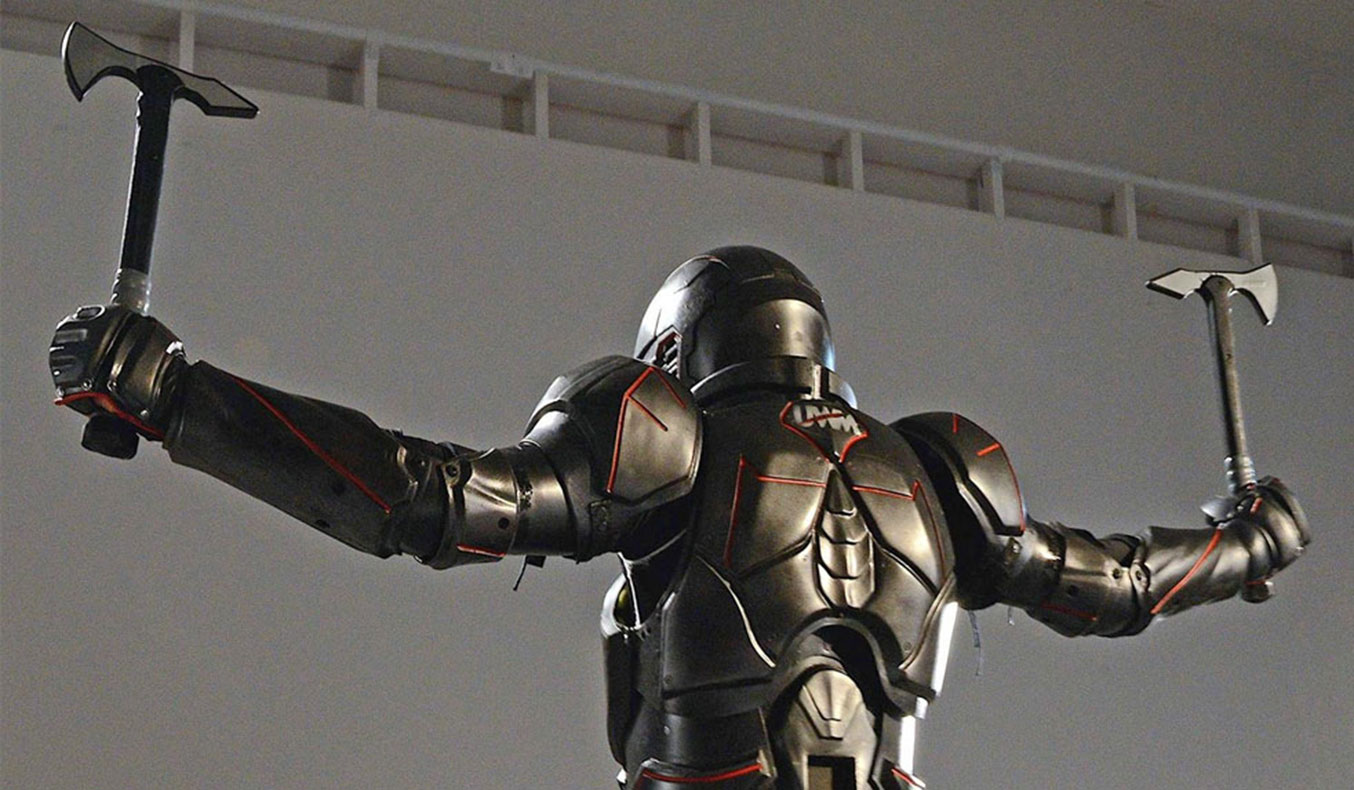 CARBON-FIBER GLADIATOR SUIT