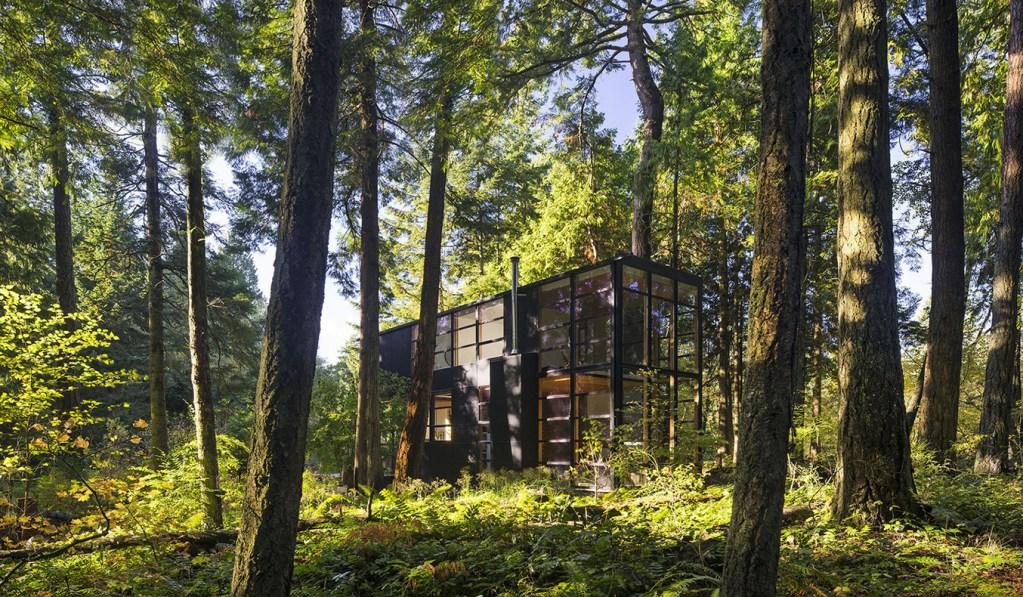 LIGHTBOX HOUSE