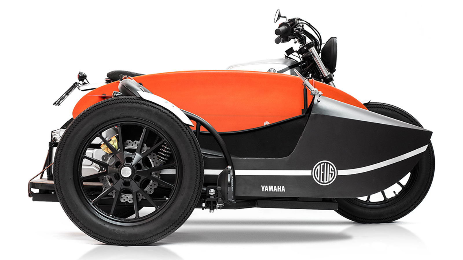 DEUS EX MACHINA D-SIDE MOTORCYCLE