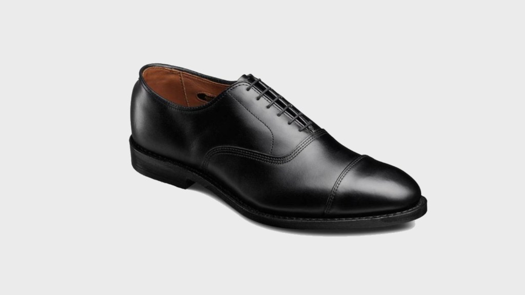 Oxford Dress Shoes - Men's Essentials