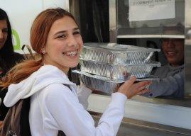 A La Carte provides free meals to community
