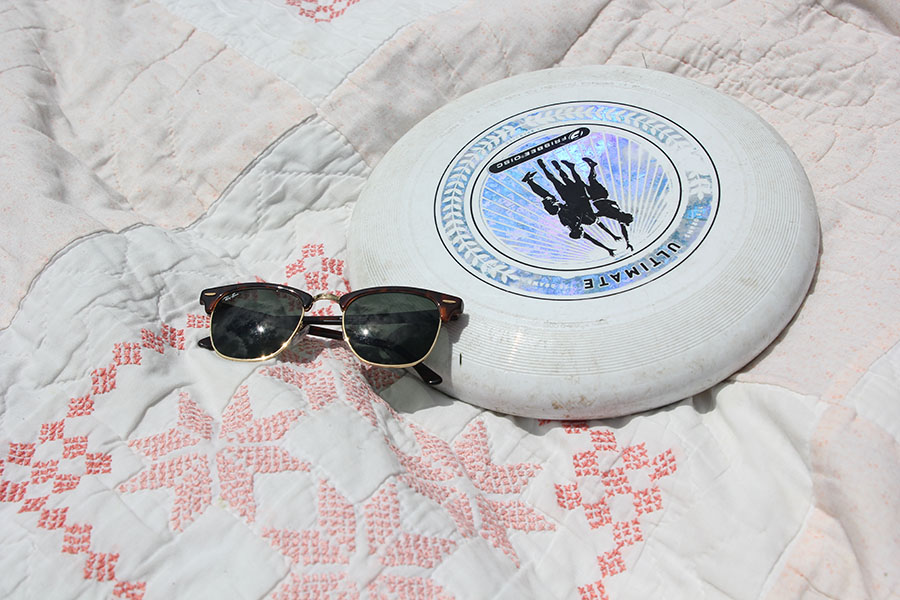 Bring+sunglasses+to+protect+your+eyes+and+a+frisbee+to+keep+you+busy.+