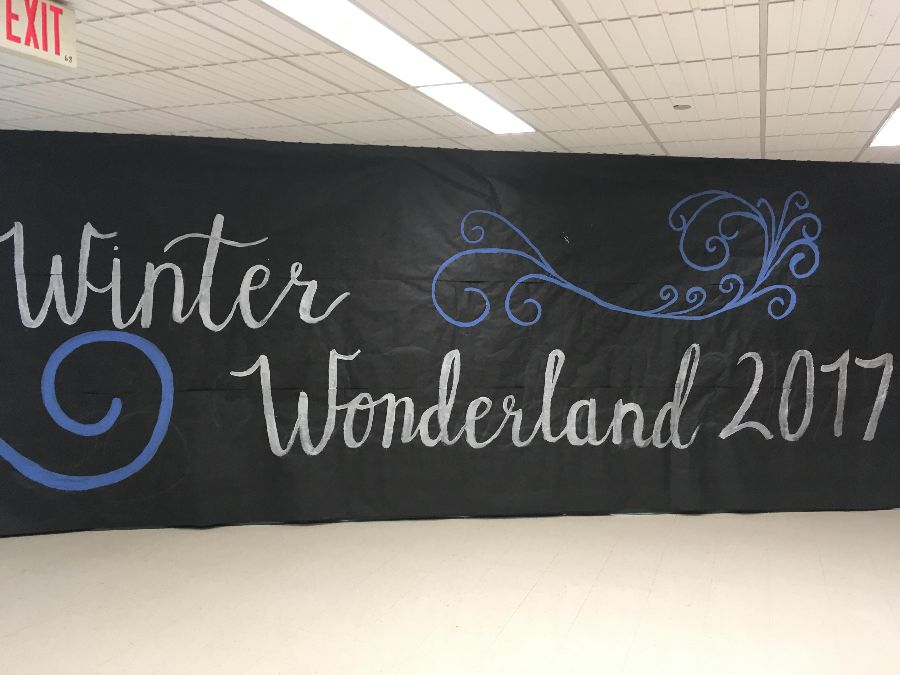 Decorations+for+the+Winter+Wonderland+Dance