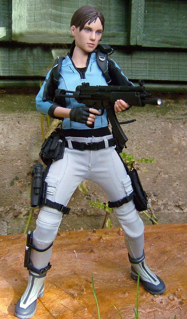 Jill Valentine Resident EvilBiohazard Sixth Scale Figure