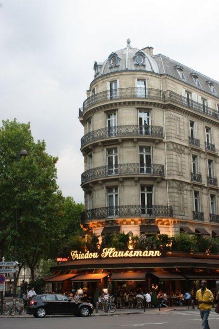 Cafe. Rue de Haussmann. Paris.