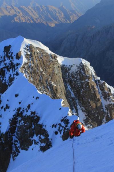 Rob Gleich on the Summit Ridge. (Photo: Ryan Stolp)
