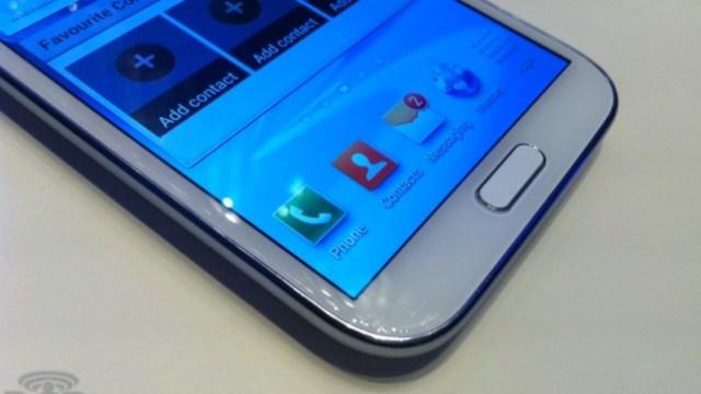 Samsung Galaxy Note 3 เตรียมมาพร้อมหน้าจอ OLED แบบพลาสติก