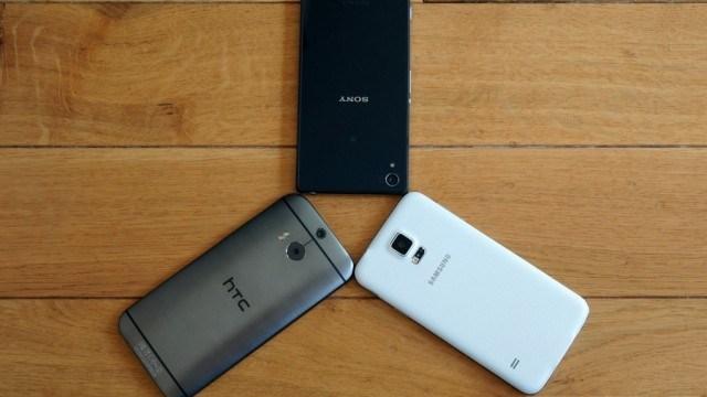 เลือกใครดี สามทหารเสือประชันหล่อ Galaxy S5, One M8 และ XPERIA Z2