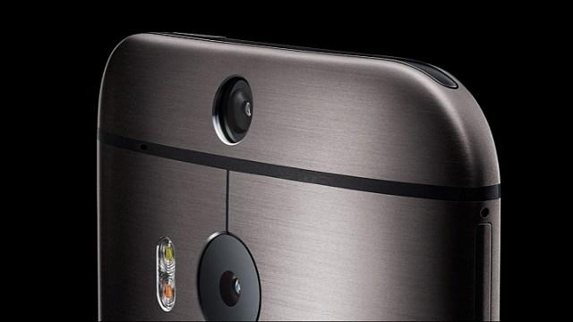 ระวังเหมือนกัน พบรายงานกระจกเลนส์กล้อง HTC One M8 เสี่ยงเป็นรอยง่าย!!