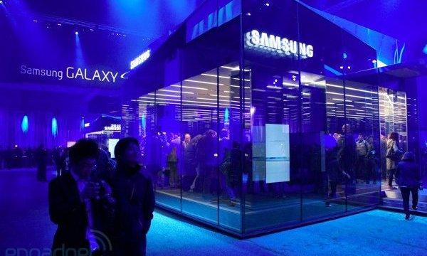 หมองูโดน Samsung ตกเป็นเหยื่อการตลาด อ้างเป็นผู้นำในอินเดีย!!