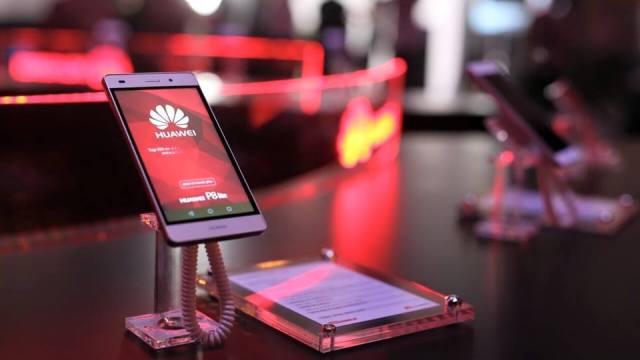 Huawei P8 Series เปิดตัวสุดอลังการ พร้อมยกกองทัพ Gadgets รุ่นใหม่ล่าสุดมาให้ยลโฉมกันแล้ว วันนี้ !!
