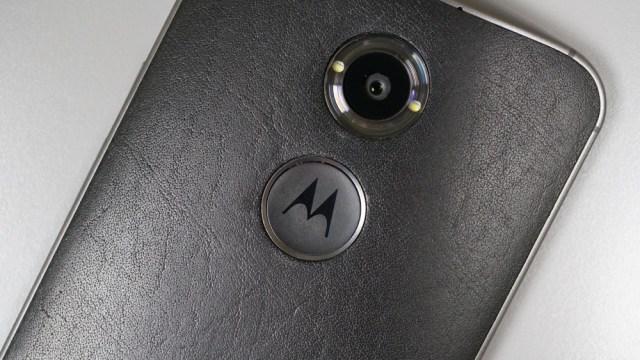 กันเหนียว เผยรูปใหม่เครื่อง Moto X รุ่นที่ 4 ก็ตามเทรนด์ใช้ท่อทองแดงระบายร้อน?
