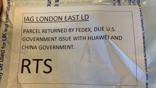 FedEx ปฏิเสธส่งสมาร์ทโฟน Huawei เข้าสหรัฐฯ อ้างปัญหา สงครามการค้า