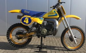 Te koop aangeboden Suzuki RM400 van bouwjaar 1980.