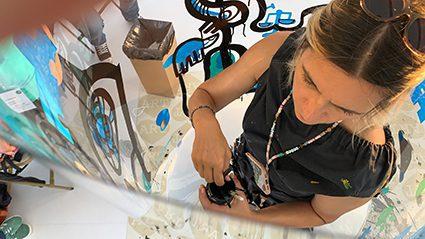 Animation Team building fresque plexi art à Lyon par aNa artiste et My Art Box