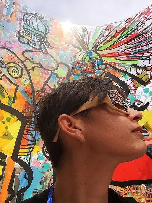 ana est une artiste fresque collaborative qui a créé sa marque My Art Box