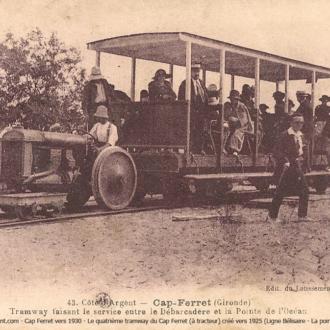 Carte postale ancienne du petit train du Cap Ferret - Collection Ferretdavant 1/9
