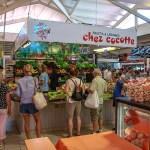 Fruits et légumes au coeur du marché du Cap Ferret