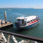 Navette de l'UBA accostée à la jetée Bélisaire